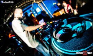 Techno Dj playing live on vinyl